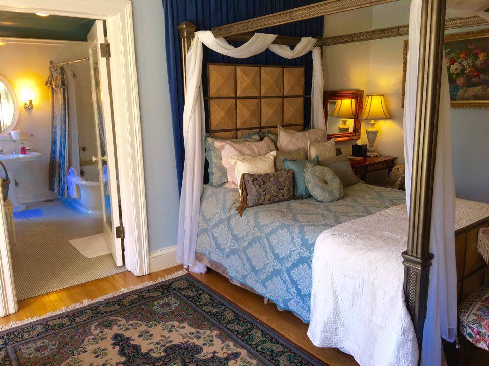 Queen - Canopy bed, view, private bath with original soaking tub with shower head