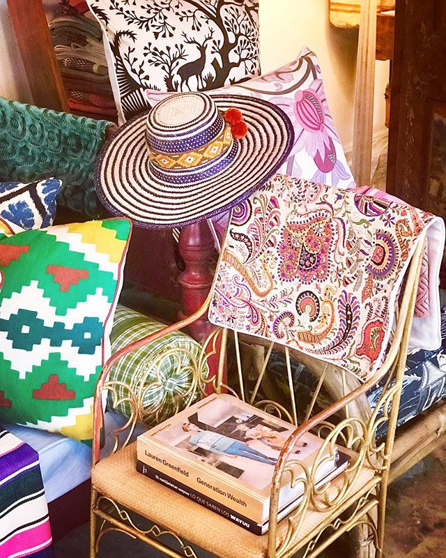 #rainydays☔️ #bring your sunshine in with custom pillows @polishedcoconut #upgrade #upcycle #vintage and remnant designer fabrics are all we use on our creations @lamaisonpierrefrey @brunschwigfils @osborneandlittle @nobilis_paris #looking chic and stylish within budget #alwayspolished