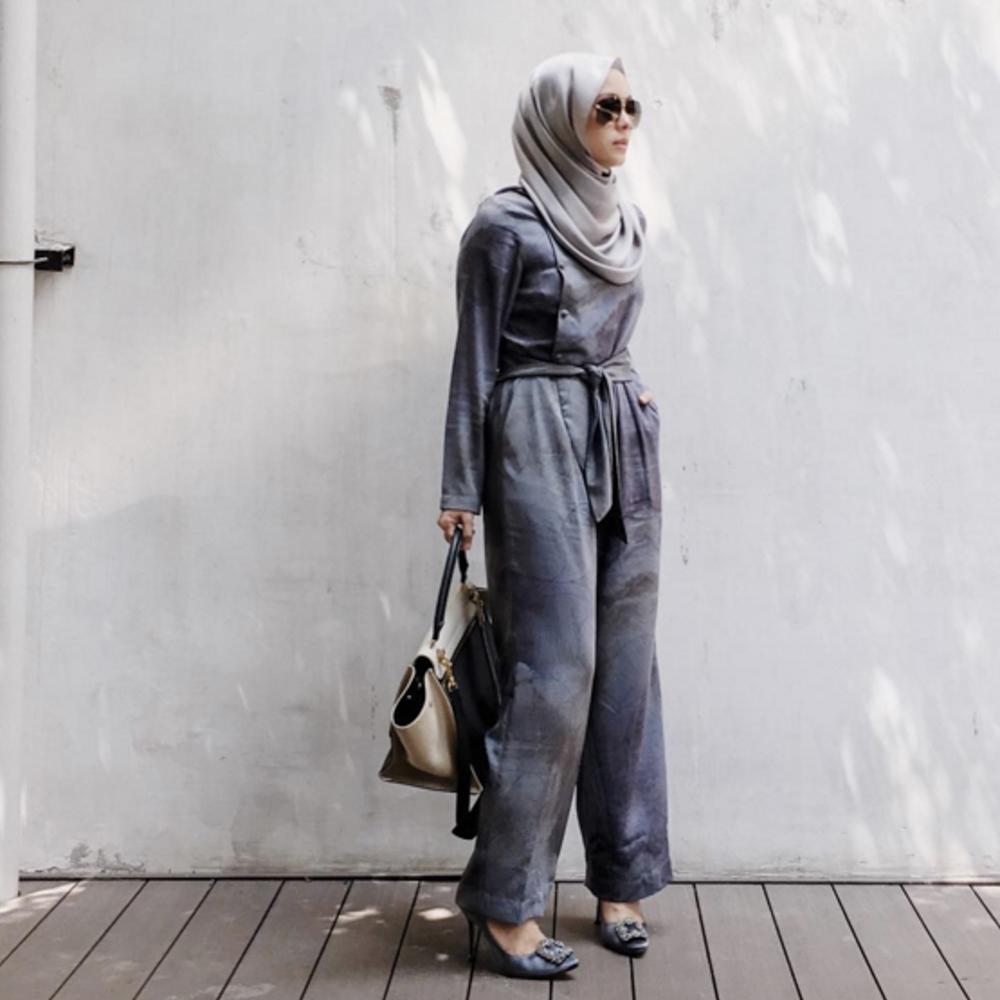 Vivy Yusof wearing Kamiidea's jumpsuit (Pic: @vivyyusof)