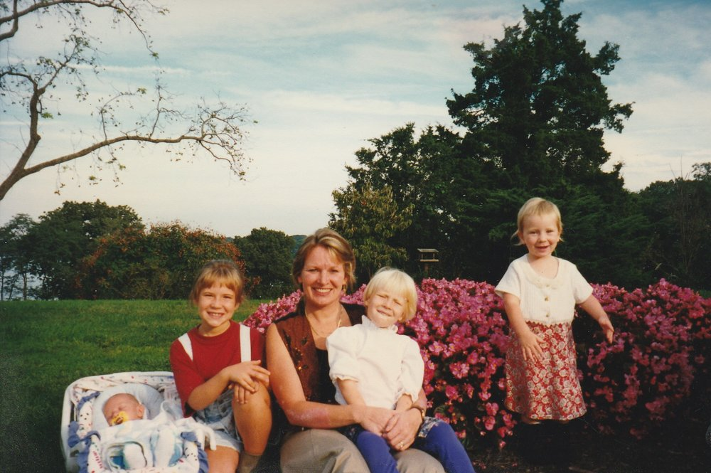 Theresa Sims with kids on an outing when John was away in 1996. Courtesy of John Sims.