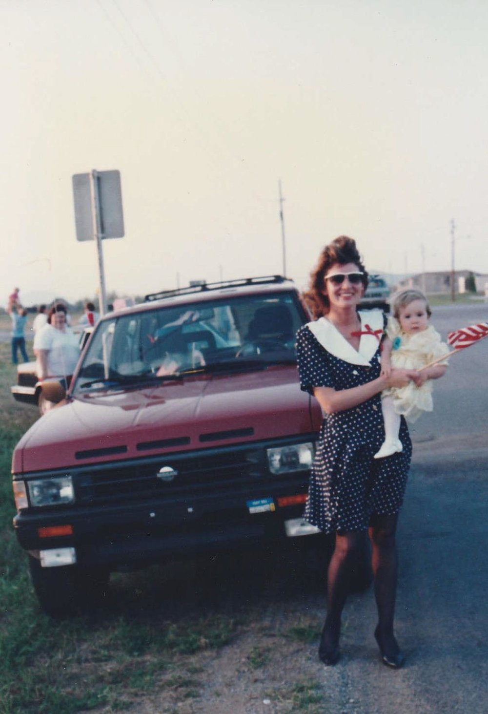 Theresa and Annalisa welcome Sims home from Desert Storm. Courtesy of John Sims.