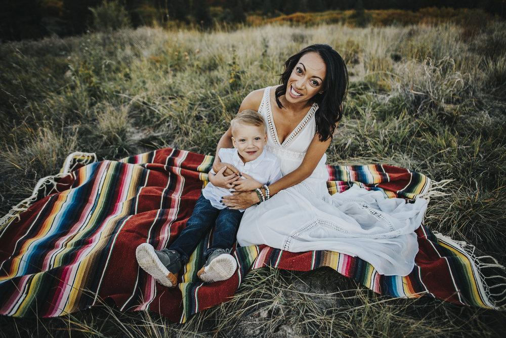 Angela&Caleb_2017_Wild Prairie Photography_06.jpg