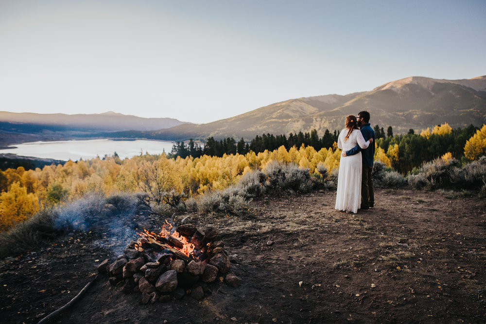 Couple has sunrise elopement in Twin Lakes, Colorado with Colorado based photographer Wild Prairie Photography.