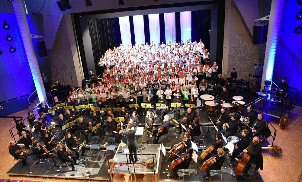 Bei der letzten Probe kurz vor dem Konzert (Foto Tilman Gommel )