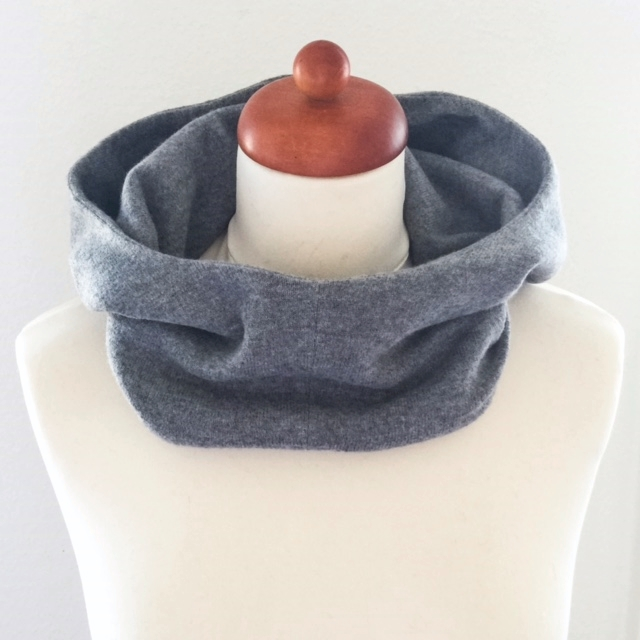 hoodie-scarf-front