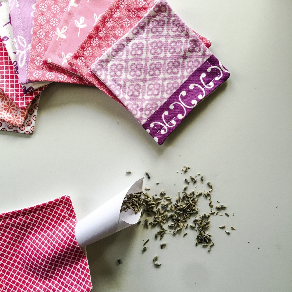 scented-sachets-filling
