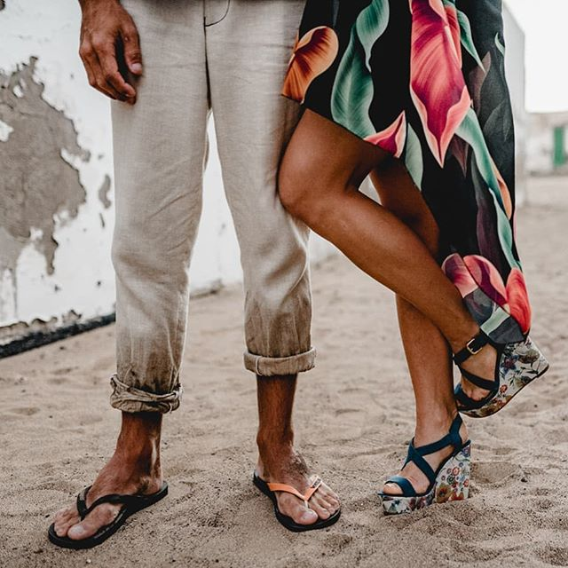 Sometimes life is about taking different perspectives. So get down low once in a while and enjoy what you might find :) #newperspectives #silentemotions #explore #freshangle #silentbeauty #newways #couplegoals #engagementshoot #together #feet #sand #flipflops