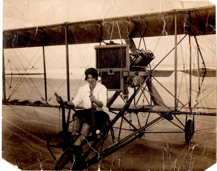 Ruth learned to fly on a Wright plane with lever controls, so she substituted them for the steering wheel on her Curtiss biplane