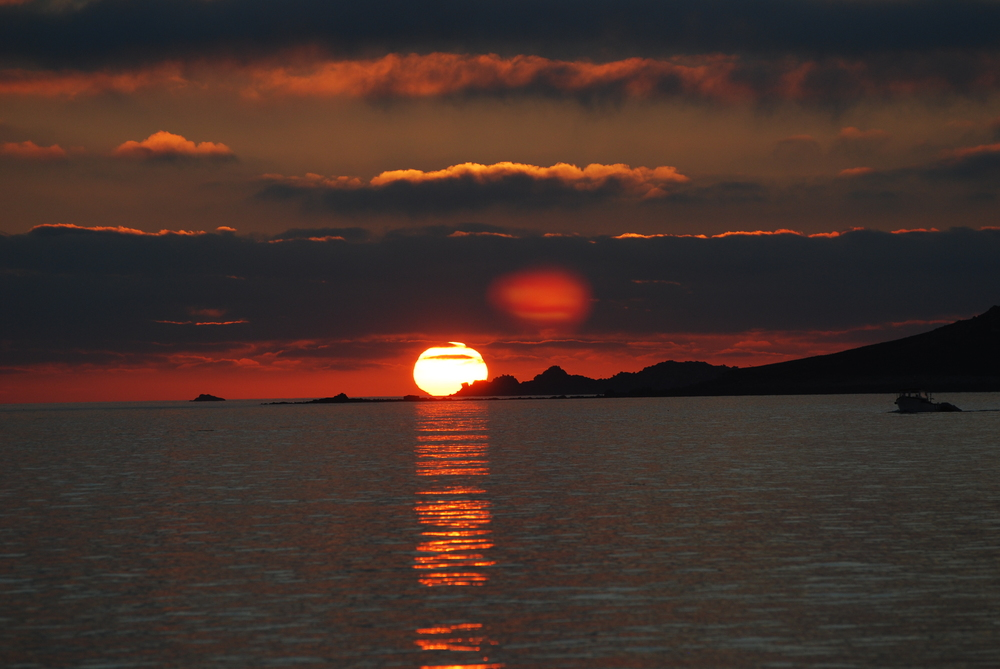 sunset over Samson Scilly.JPG