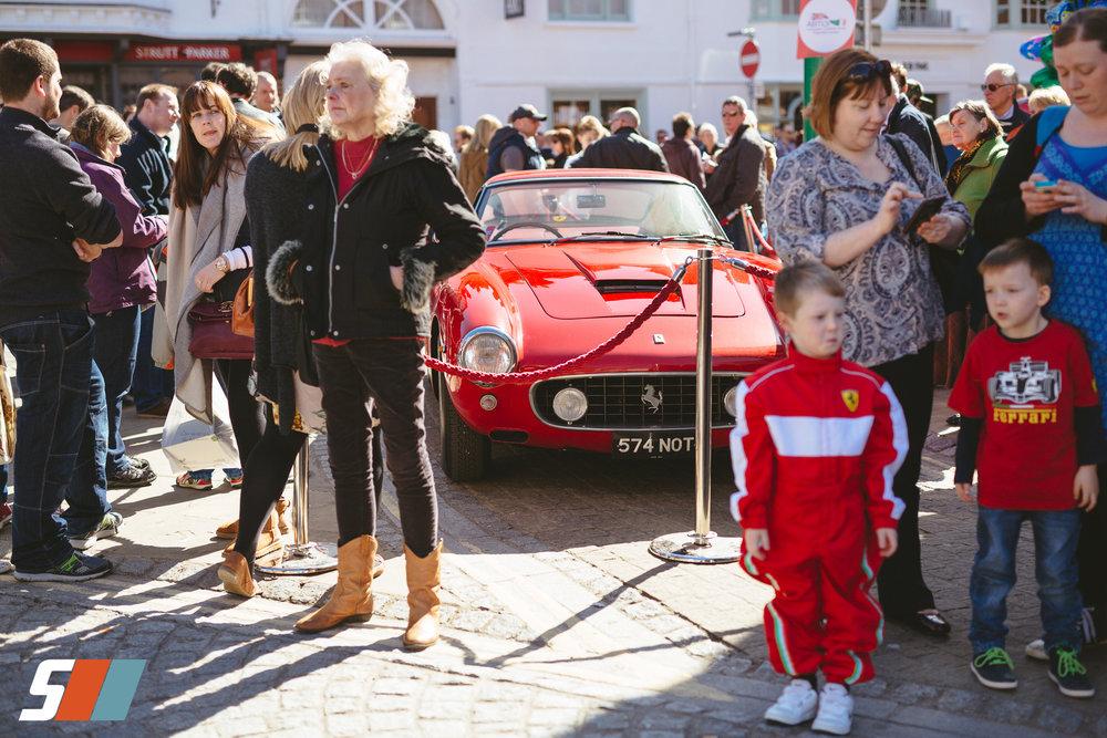 magazine_20160330_Piazza16_P_friday cars for site_JAD1475.jpg