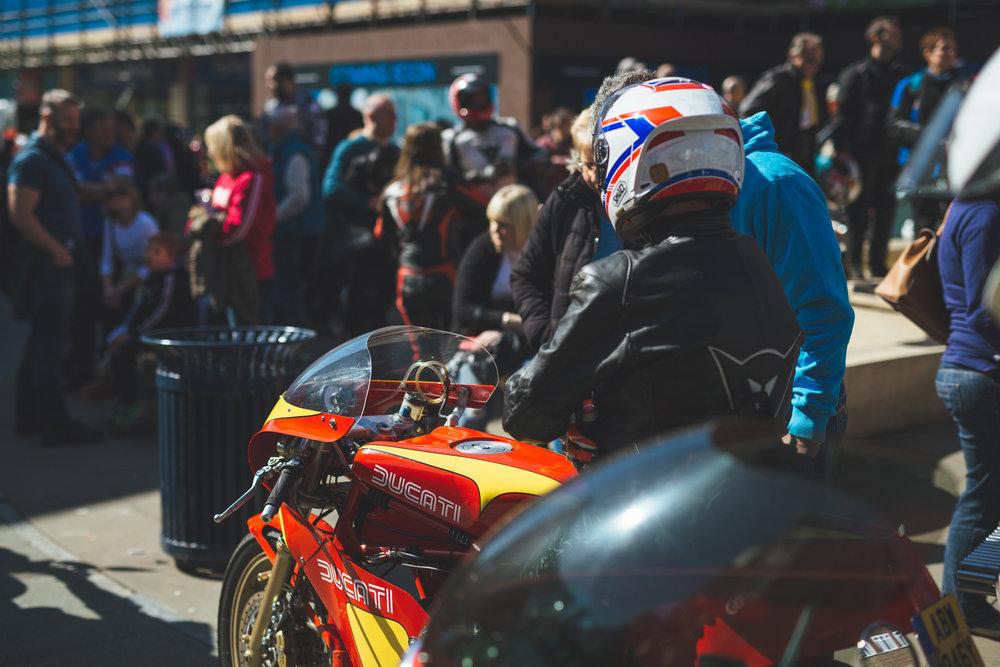 magazine_20160325_piazza16_P_piazza bikes for site__JAD1352.jpg