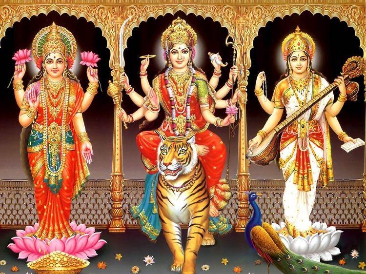 Cantar a estas tres diosas:   Om Aim Saraswatyai Namaha, Ella hace posible aprender  Om Shri Maha-Lakshmyai Namaha Sus brazos siempre están abiertos y son generosos Om Shri Durgayai Namaha, ella es la diosa que destruye todos los demonios del ego