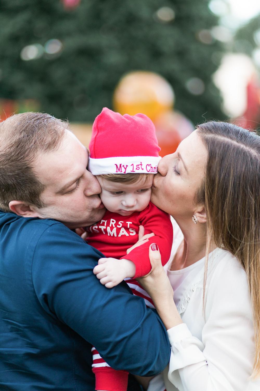 family-photography-baby-christmas-bocaraton-delray-beach-florida-candid.jpg