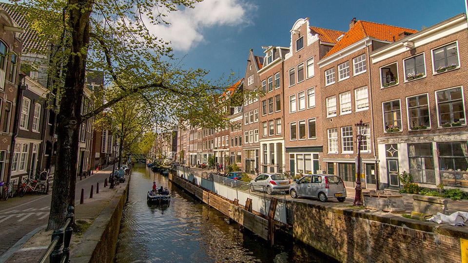 Amsterdam_Canals3.jpg