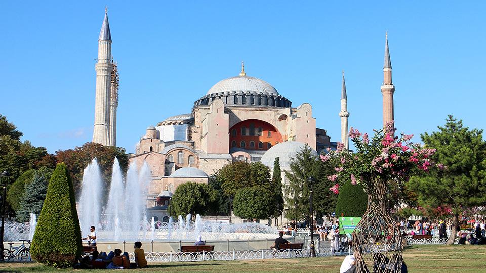 Istanbul_HagiaSophia.jpg