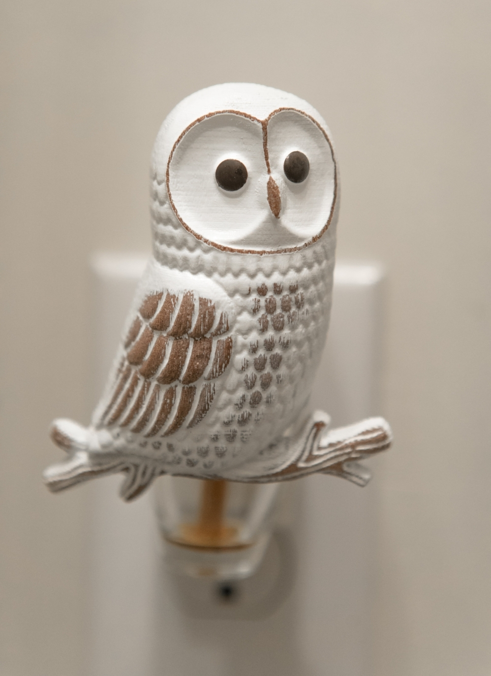This owl Wallflower from Bath and Body Works reminded me so much of Hedwig!