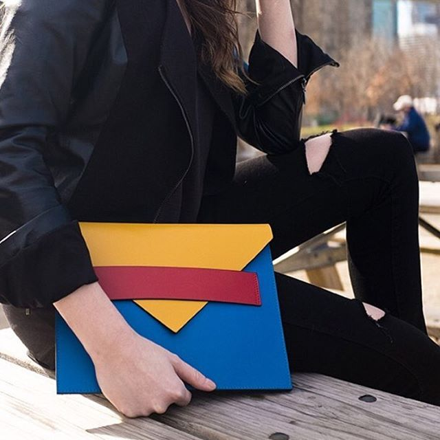 All black with a pop of color is one of our favorite styles! Repost @pinchme #LouRouNewYork