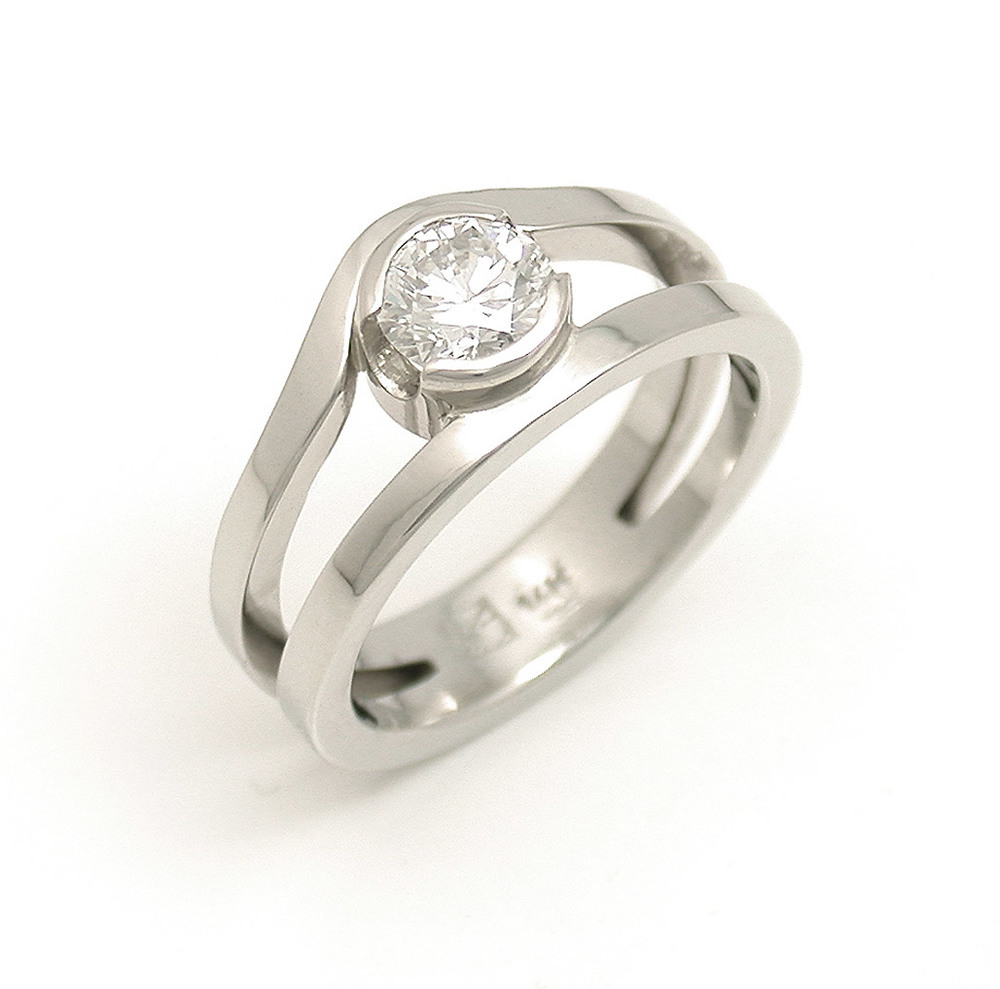 Diamond Curved Split Ring