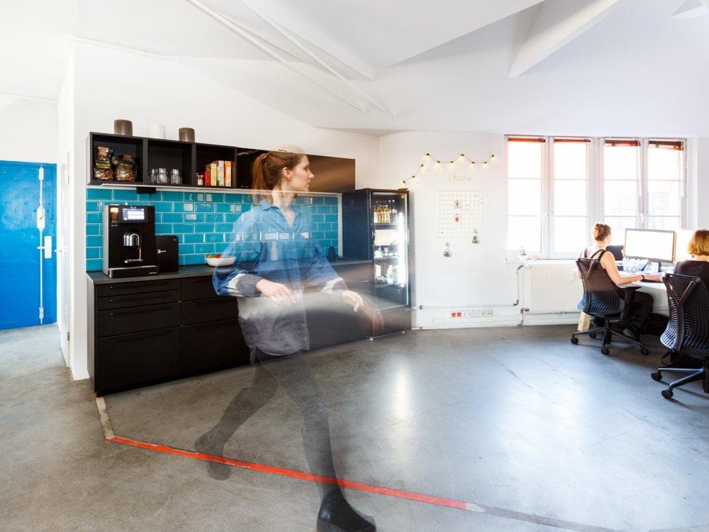PeakAce-Büro-Küche-OpenSpace-Dittmarandfriends.jpg