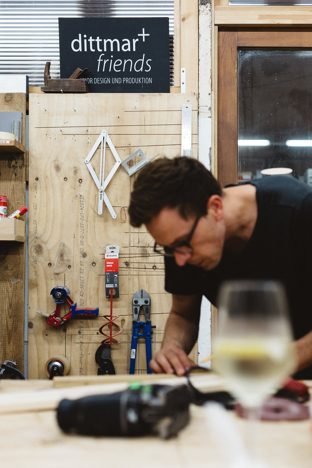 """DIY-WORKSHOP """"Kinderküche""""   06/2016  We love to woodwork! So why don't we build a kitchen for our children by ourselves? That was the idea, that ended up in a workshop by  Dittmar and friends  at Willner Brauerei Berlin, Pankow.   see more >"""