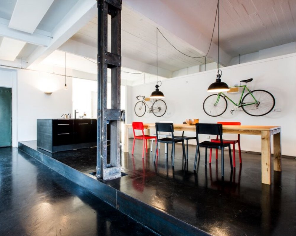 a color bright   CONFERENCE ROOM & KITCHEN