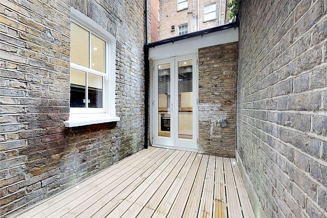 32A-KnoxSt-Patio.jpg