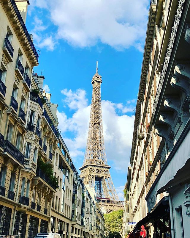 Can't get enough of this beautiful city 🇫🇷 #Paris #Toureiffel #France #sunny