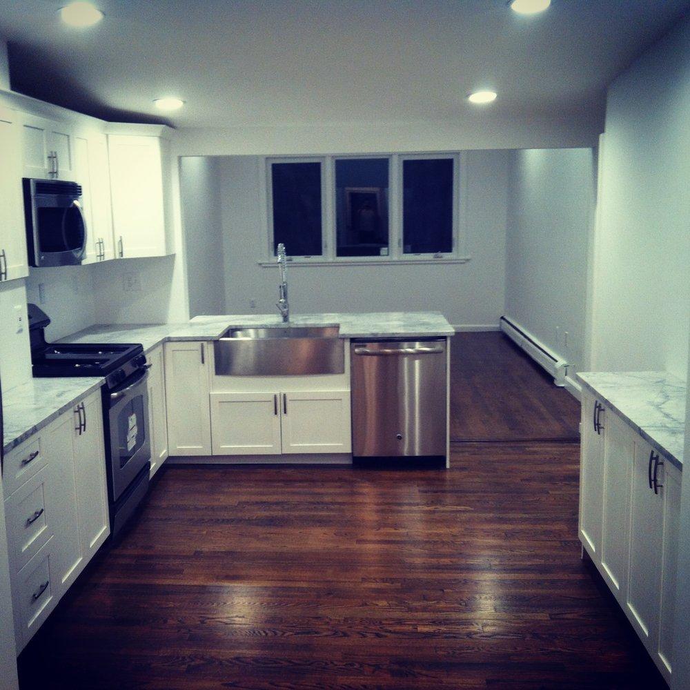 431 e 3rd Kitchen 1.JPG