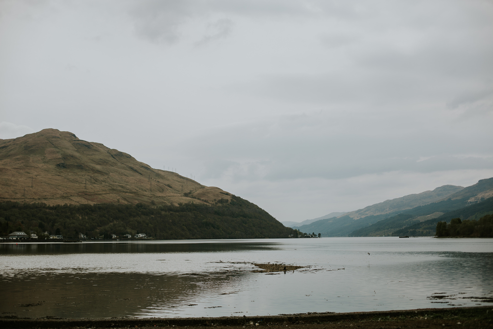 romantic and natural  wedding photography in loch lomond, artistic and documentary wedding photography, glasgow wedding photographer