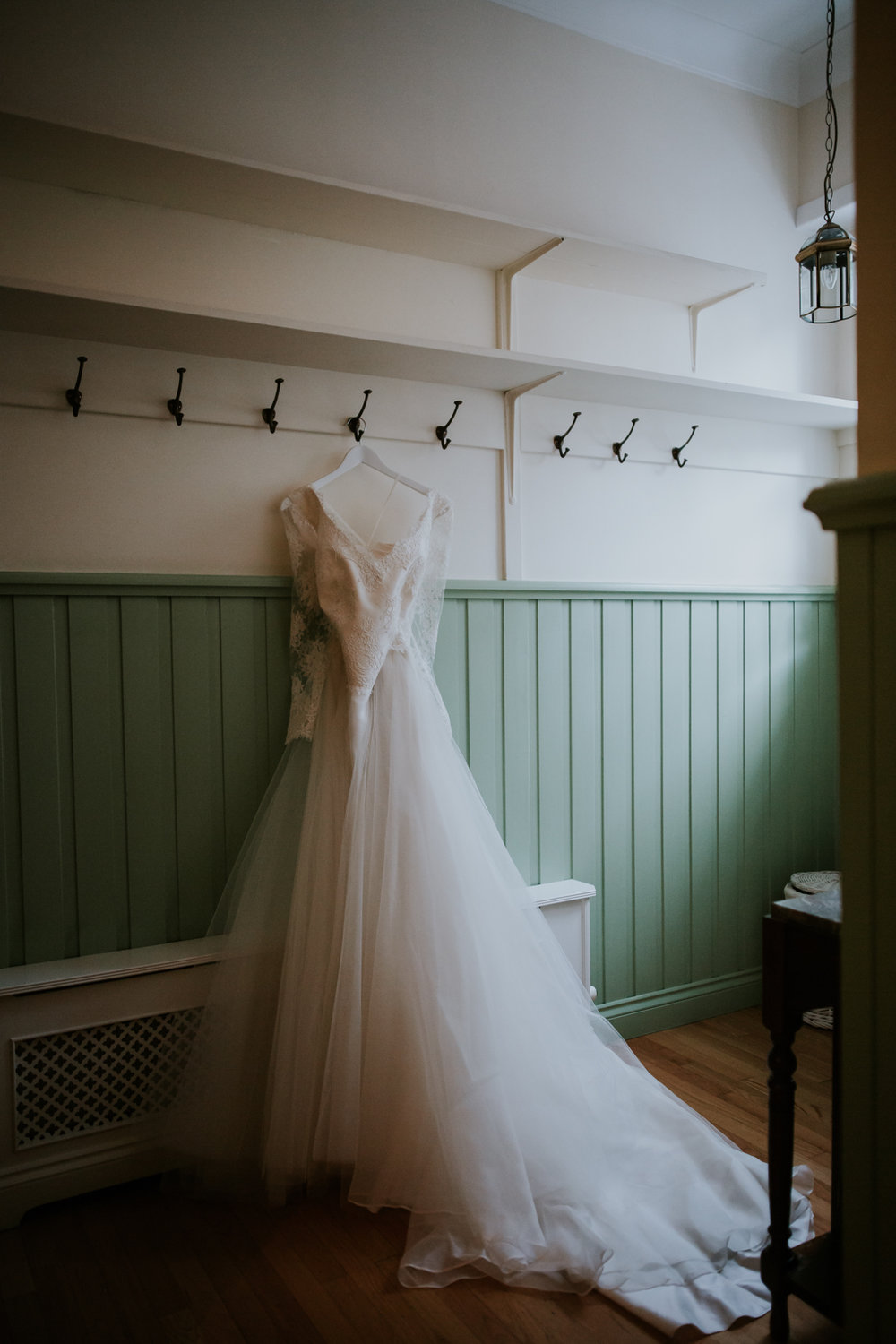 Kate's stunning wedding dress at Brig o' Doon