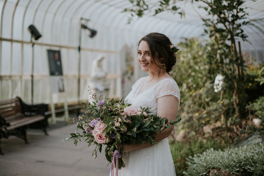 Bridal portrait at the Botanic Gardens in Glasgow