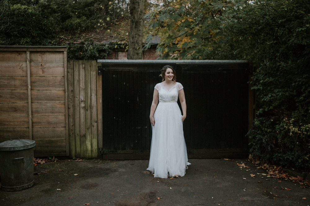 Bridal portrait at the rustic forest of the Botanic Gardens in Glasgow