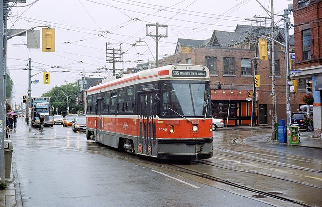 Toronto streetcar (Flickr.com)