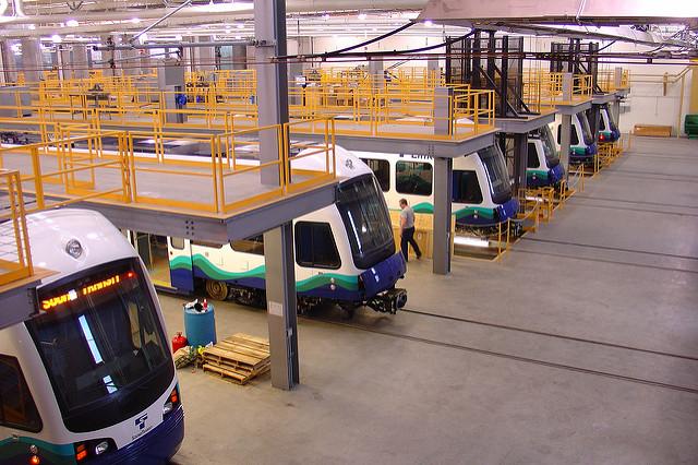 Light rail (Flickr.com)