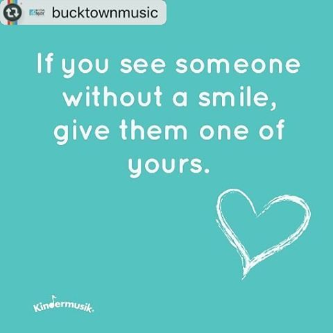 Thanks for the #mondaymotivation @bucktownmusic! This made me 😊, and I promise to pass it on!  #bucktownmusic #urbanbabyzen #infantmassage #babyclass #chicagomom #chicagodad #chicagobaby #chicagokid