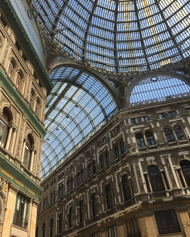 If this is what malls in Italy look like, America is doing it wrong 👌🏽