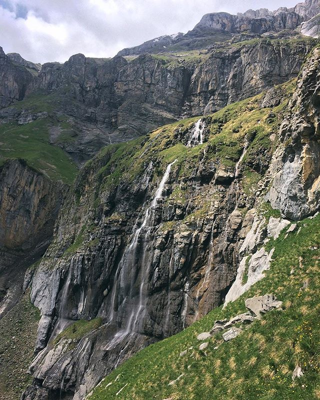 I've been neglecting this account for too long! Going to be posting some photos from my travels the last year starting with Switzerland! We visited in early June and to our surprise the weather was perfect! The snow was melting which lead to these stunning waterfalls 🇨🇭😍🏔 . . . . . #travel #travelblog #travelblogger #instablog #instatravel #travelphotography #mytravelgram #thinklesstravelmore #wanderlust #getoutside #liveauthentic #photooftheday #photographersofinstagram #justgoshoot #instagood #switzerland #myswitzerland #visitswitzerland #airswiss #oeschinensee #lakeoeschinen #theswissalps #thealps #mountainlife #inlovewithswitzerland #waterfalls #mountainair