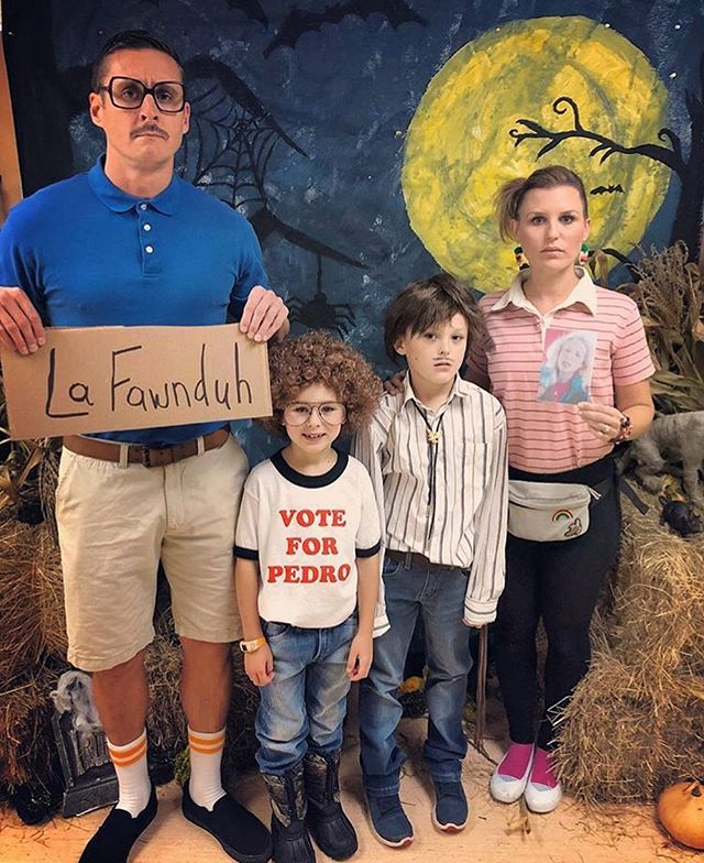 Sister fam number two also knocked it out of the park.  I so wish I got to see this in person 😂  #napoleondynamite  #jakeyisrad #chaseyissocool