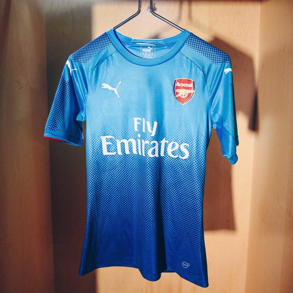 arsenal-away-shirt-17-18-3.jpg