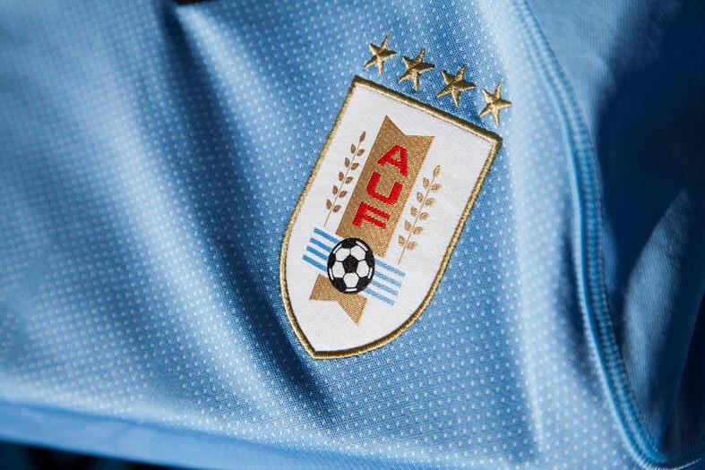 PUMA_Uruguay_Low_03.jpg