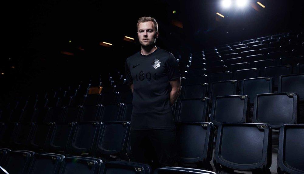 6-aik-blackout-shirt.jpg