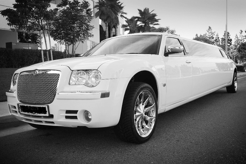 クライスラー   CHRYSLER 300 STRETCH LIMOUSINE