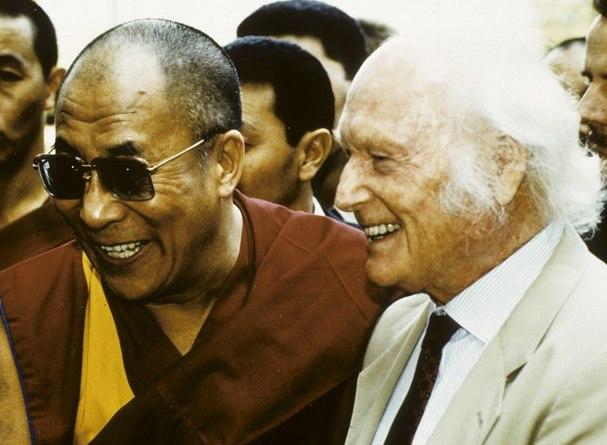 El Dalái Lama junto al nazi Heinrich Harrer