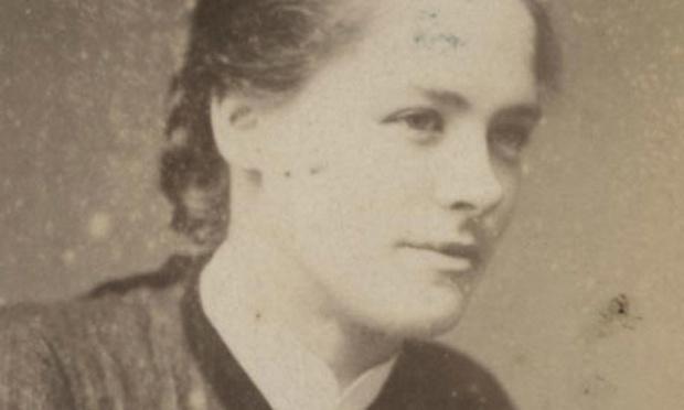 Maggie Hugues, detenida y encarcelada en 1923 por robar collares de diamantes