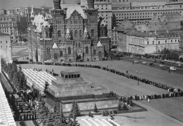 El espectral mausoleo donde reposó el cuerpo de Lenin