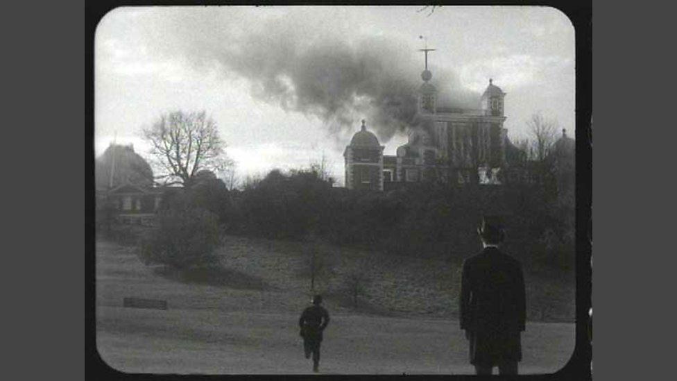 El Real Observatorio de Greenwich instantes después del atentado, según los artistas Rod Dickinson y Tom McCarthy