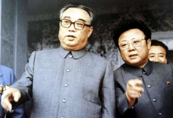 El fundador de Corea del Norte, Kim Il-sung, junto a su hijo Kim Jong-Il