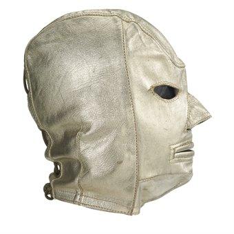La máscara subastada por Christies