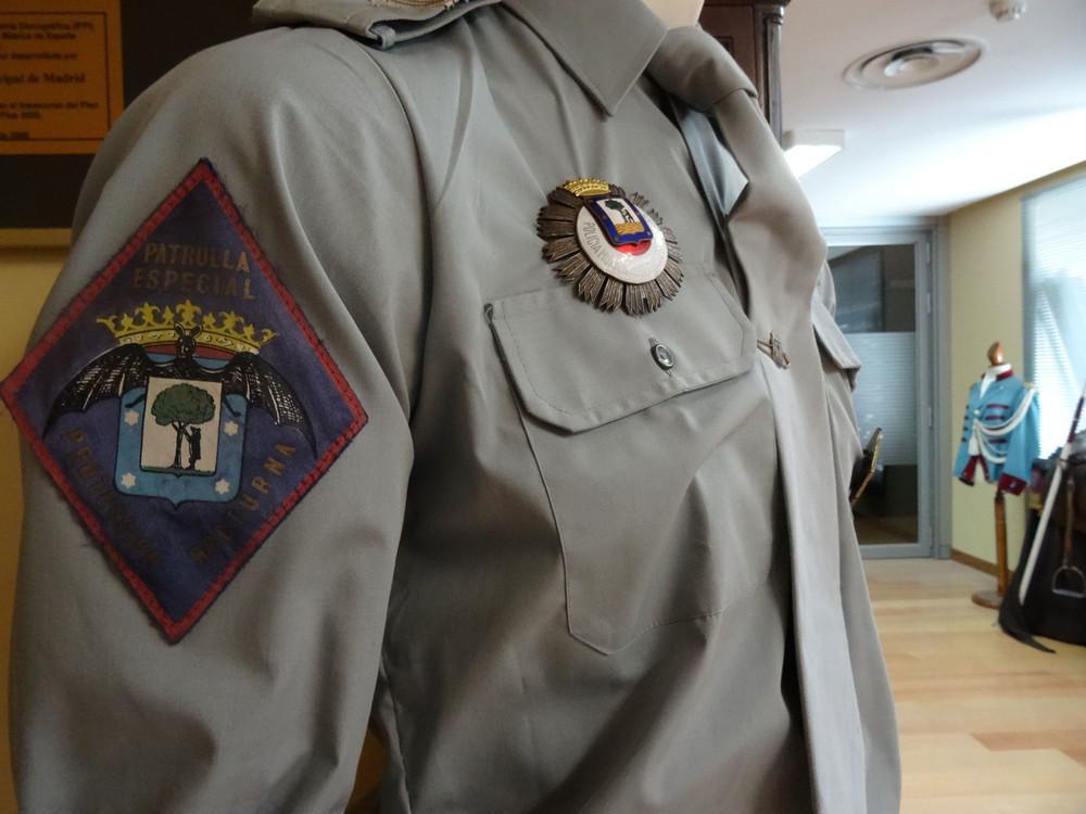 Uniforme de la Patrulla Especial Nocturna en el actual Museo de la Policía Municipal de Madrid (fotografía de Vice)