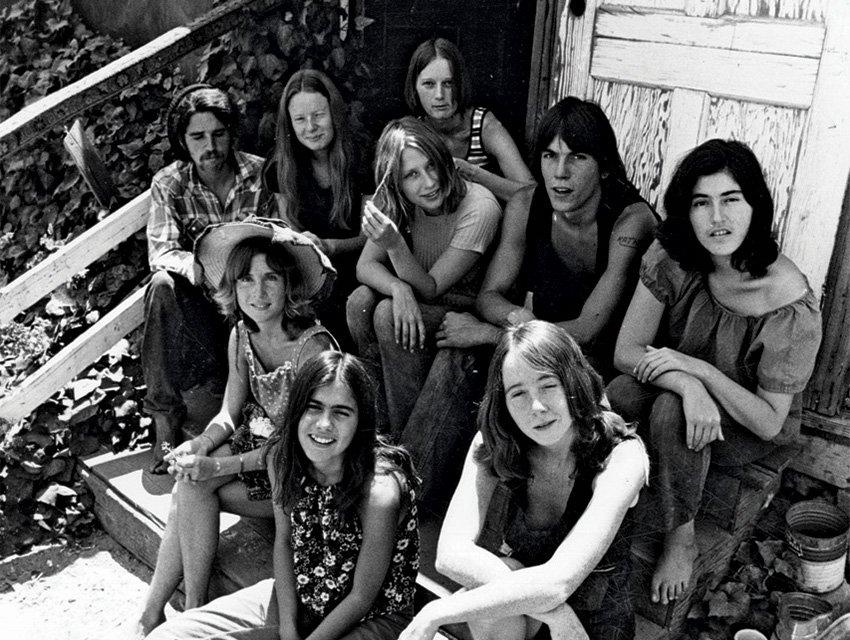 Algunos miembros del clan Manson, La Familia